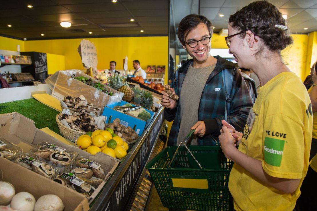 Austrália abre supermercado gratuito apenas com produtos que seriamdescartados