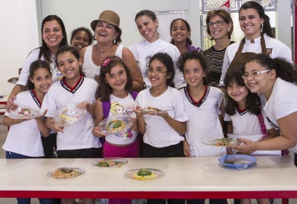 Escolas da rede entram em campanha mundial e oferecem cardápio sem carne àssegundas