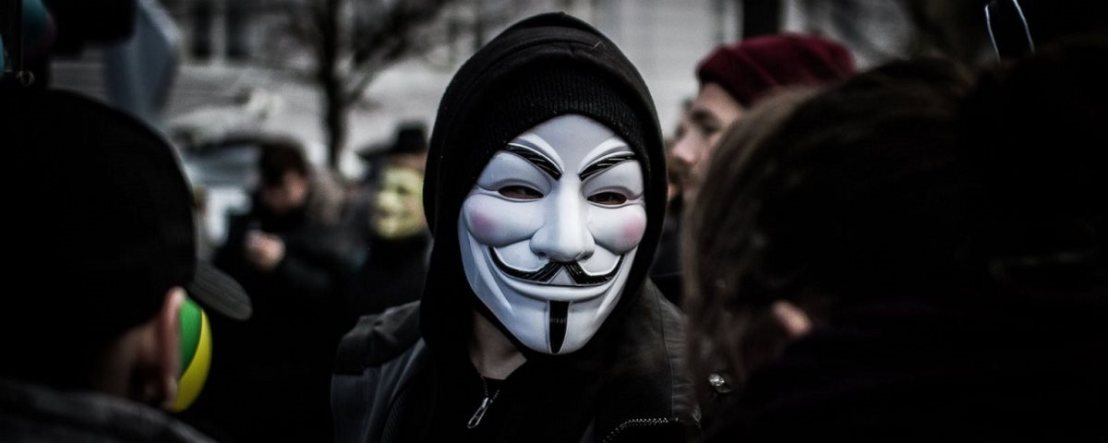 Anonymous invade, rouba senhas e vaza banco de dados da Friboi(JBS)