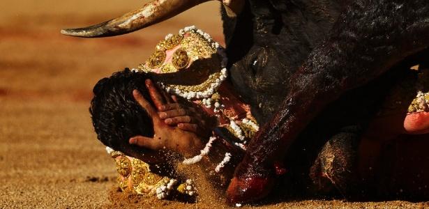 Toureiro espanhol morre após ser chifrado em umatourada