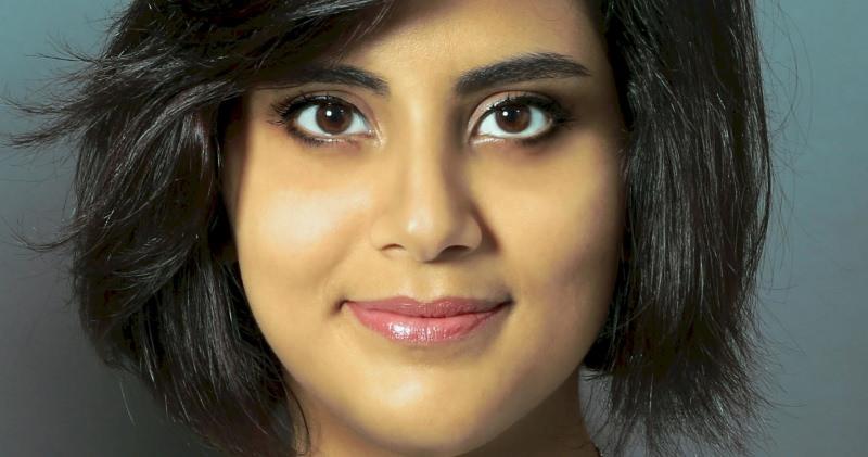 Ativista dos direitos das mulheres detida na Arábia Saudita pordirigir
