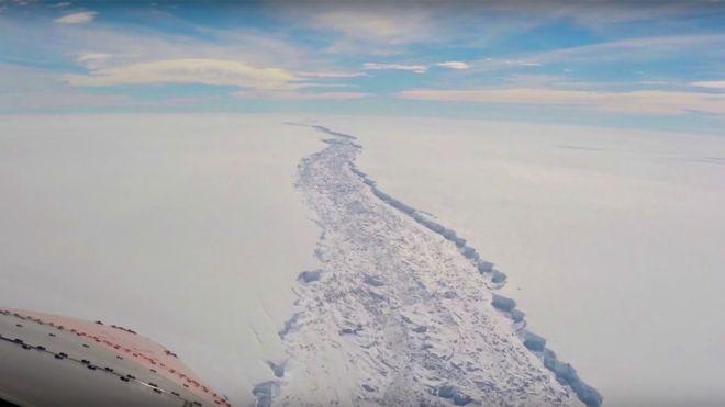 Após meses de expectativa, iceberg maior que o Distrito Federal se descola daAntártida